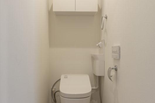 1Fトイレ。自動おそうじトイレのパナソニック・アラウーノが標準装備。